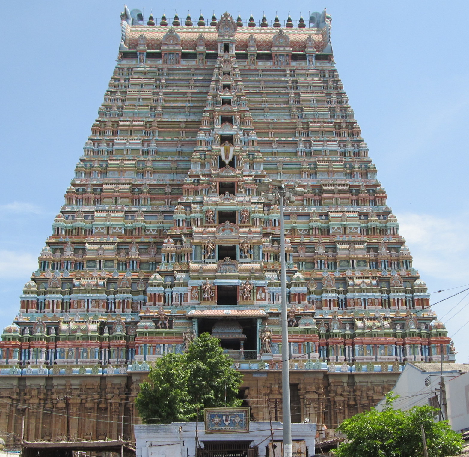 http://www.templefolks.com/products/bimages/Sri-Ranganathaswamy-Temple-4-10342.jpg